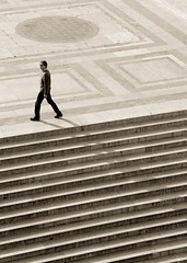 Moonwalk (Pensiero) Tags: man rome roma topf25 sepia walking steps altaredellapatria