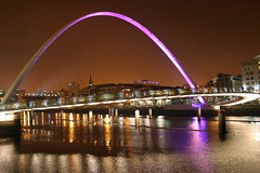 Millennium Bridge, Newcastle upon Tyne (Hart from Golborne) Tags: bridge reflection night river newcastle north illumination tyne millennium northumberland northumbria toon