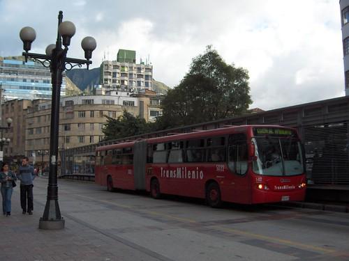 Autobús metropolitano exprés de Bogotá, conocido como TransMilenio