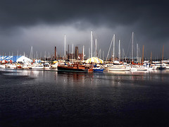 Tempestuous* (Imapix) Tags: ocean wild sky storm wet clouds wow boats photo photographie gutentag stormy dirty rainy mostinteresting rough nasty howling raging blustery inclement imapix tempestuous thunderous boisterous squally turbulent gatanbourque blustering copyright2006gatanbourqueallrightsreserved  copyright2006gatanbourqueallrightsreserved imapixphotography gatanbourquephotography