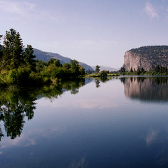 Okanogan (bentilden) Tags: blue trees sky canada reflection green water wow river okanogan