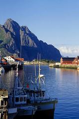 henningsvaer (Reinhard.Pantke) Tags: mountains norway boats norge harbour north norden norwegen lofoten henningsvaer