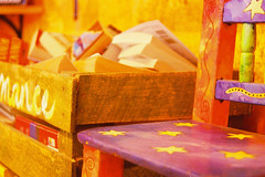 Otra Caja Romance (merAtSpain) Tags: film yellow stars mexico colours romance amarillo islamujeres notpostprocessed barbookstore barlibreria cajaromance