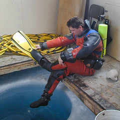 4112809a (The frogman) Tags: ice dry scuba diving rubber suit viking drysuit