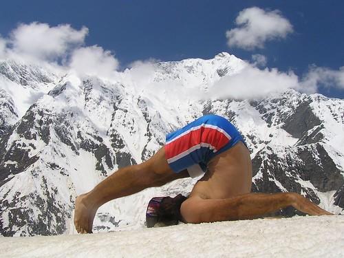 Corpse pose (savasana) om yoga academy