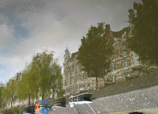 "Amsterdam / U for ""Under water"""