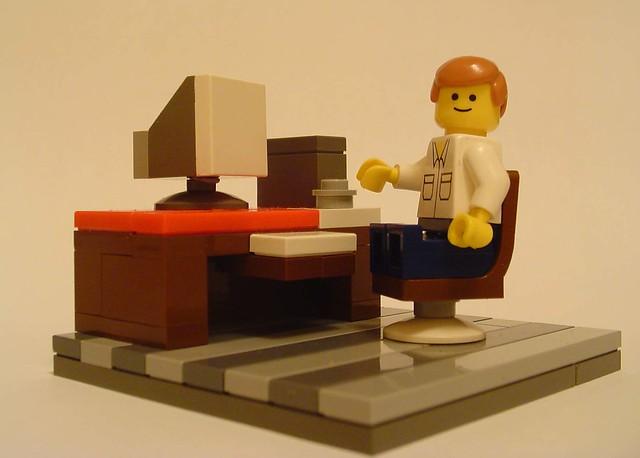 minifig desk
