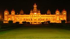 Mysore palace (Arul Prasad) Tags: mysore mysuru palace india sultan tippu night light green
