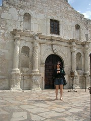 Robyn at the Alamo (Brian Fountain) Tags: texas sanantonio alamo