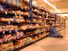 chillin' in the bread aisle (dogwelder) Tags: 2005 november me bread store floor market supermarket atkins carbohydrates ralphs zurbulon6 zurbulon gatturphy