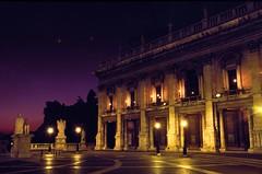 campidoglio (Calovi) Tags: rome roma public architecture night evening abend noche europa europe italia nacht slide chrome noite michelangelo nuit notte lazio campidoglio entardecer velvia50 publik calovi fujichromevelvia50 publikoeffnen setpromotemp