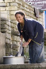 Beautiful washer woman (Dey) Tags: annapurnacircuit trek trekking nepal woman washing smile danagyu himalayas