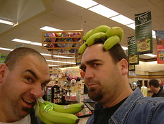 No, Andy! On Your Head! (dogwelder) Tags: 2005 california green hat store december market banana supermarket bananas ralphs zurbulon6 studiocity grbaha zurbulon gatturphy