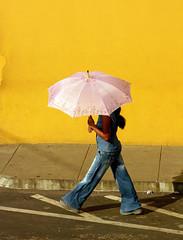 garota de manacapuru (jcfilizola) Tags: umbrella mulher amazonia nikonstunninggallery