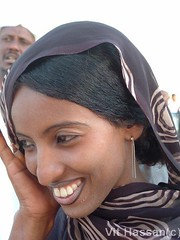 Smilling woman... (Vt Hassan) Tags: africa portrait people woman beauty smile face pose hair gold women image muslim sudan young arab features sufi beduins beduin smilling theface beatifull hinna kababish kabbabish nortafrica