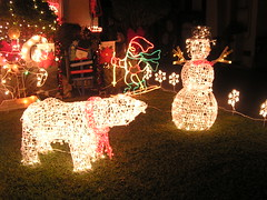 Christmas Light Safari: Polar Bear and the Snow Man (earthdog) Tags: 2005 christmas light 15fav animal snowman christmaslights polarbear 10up3 needscamera needslens