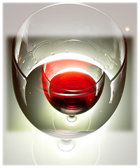 Ice Wine (Yorick...) Tags: red white color glass composition photoshop wow graphic gutentag transparency yorick serie