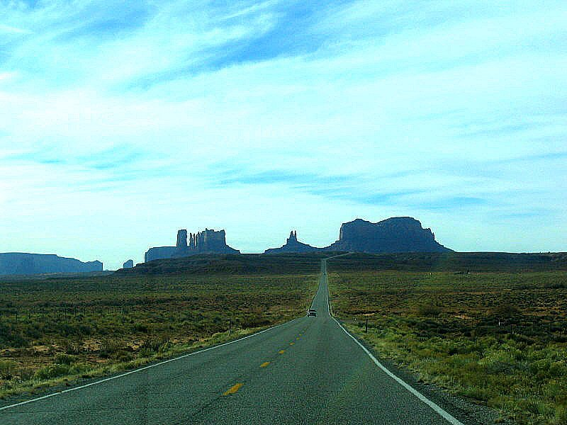 The road to Monument Valley. Utah. USA. January 2006