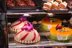 Too pretty to eat (cjanebuy) Tags: cakes bakery fancy burbank portos