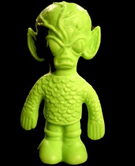 Saucer Man Space Alien Eraser Toy (Neato Coolville) Tags: green toy eraser mcdonalds monsters creature happymeal greenthing spacealiens