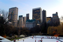 The Plaza and the Wollman Rink (Sciamano) Tags: park nyc newyorkcity ny newyork ice d50 nikon centralpark manhattan skating central 2006 nikond50 rink wollman ghiaccio wollmanrink pattinaggio
