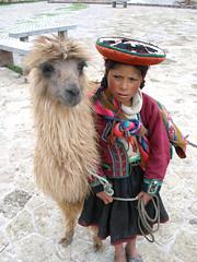 A girl and her Llama (quinet) Tags: peru cuzco llama sombrero quechua перуанцы
