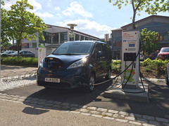 e-NV200: 30 Kilowatt Triple-Charger