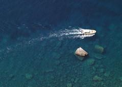 SDIM4472 sd1- minolta md 28-85 (ciro.pane) Tags: blue italy boot boat barca italia mare blu sigma silence serenity transparency blau sorrento navigation amalfi 163 merrill silenzio stille transparenz sd1 trasparenza serenit gelassenheit navigazione minoltamd2885
