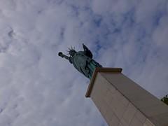 Liberty (•Nicolas•) Tags: liberty liberté statue sky cloud ciel nuage socle nicolasthomas monument tourism tourisme