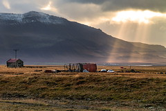 "Rays of Light Iceland (Bruce Poole) Tags: iceland island brucepoole 2016 mountains sunlight raysoflight sunshineonarainyday shaftsoflife sun rays clouds nuvola nube cloud nuage nuees nuages wolk ""定义"" ""英语同义词"" ""上下文""图像"" cloudscape sunrays rayoflight lanscape landschaft"