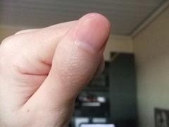 DSCF6306 (ongle86) Tags: sucer ronger ongles doigts mains thumb sucking nails biting fingers licking hand fetish