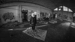 Thestranger2017-10_1920_1082 (BenSG) Tags: fujixt10 thestranger humour horror verona bn blackandwhite ruins