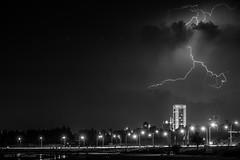 "El poder de la torre (Gonzak) Tags: guz uruguay gonzak uz nikon photo playa rayo storm tormenta useta thunderbolt thunder zeus dibujos power rambla montevideo tower night noche ""flickraward5"" flickraward5"