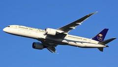 HZ-ARA (AnDyMHoLdEn) Tags: saudia saudiarabian 787 dreamliner egcc airport manchester manchesterairport 23r