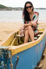 Iat (Jaime Sales) Tags: barco praia guarapari brasil trêspraias sea namorada retrato g7x g7xmarkii canon boat beach brazil threebeaches girlfriend portrait girl