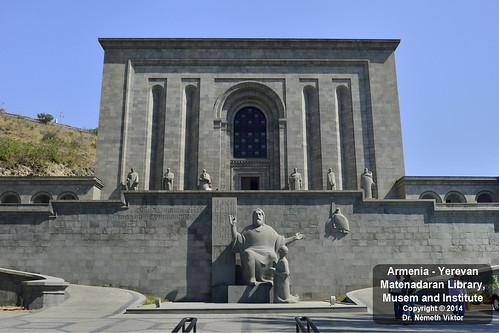 _D8B5972 AM - Jereván - Matenadaran múzeum