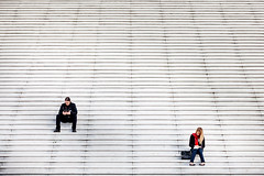 Defense stairs (Shadow13777) Tags: street abstract paris scale girl canon photography reading is photo foto fotografie mark leggendo ii f l 5d 28 fotografia minimalism 70200 nationalgeographic ragazza parigi scattifotografici allegrisinasceosidiventa