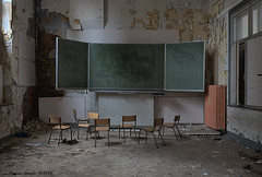 School's Out (Marian Smeets) Tags: schoolsout school urbex urbexexploring abandoned decay vervallen verlaten nikond750 mariansmeets 2016 klaslokaal classroom