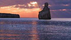 Atardecer en Benirras, Ibiza (Ale_Ibiza) Tags: rayosdesol puestadesol anochecer sunsetlight benirras ibiza eivissa nikon d610 85mm