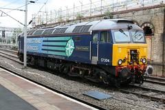 "57304 ""Pride Of Cheshire"" @ Crewe (uksean13) Tags: station train canon diesel transport engine rail railway loco crewe locomotive drs ef28135mmf3556isusm 400d 57304 prideofcheshire"