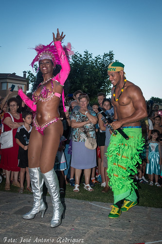 "Carnaval de verano 2015 • <a style=""font-size:0.8em;"" href=""http://www.flickr.com/photos/133275046@N07/19628053574/"" target=""_blank"">View on Flickr</a>"