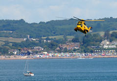 DAS 28119cr (kgvuk) Tags: helicopter devon seaking dawlish dawlishairshow dawlishairshow2014