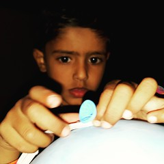 My beloved son Muhammad Abdullah Alvi. (te_mur) Tags: portrait boy son lovely cute beloved balloon