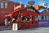Ottawa. Byward Market. Beaver Tails Kiosk (Juan C. García Lorenzo) Tags: canada canadá northamerica américadelnorte travel viajes nikon nikond90 urban urbano ottawa byward bymarket bywardmarket