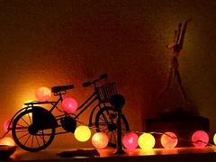 Le cycle de la lumière ! (Patevy Damant) Tags: arts atmosphère bicyclette décorations dream eclairage grosplan intérieur lumière nuit olympus