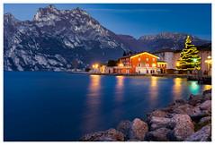 (Andrea Boldini) Tags: lakegarda torbole winter christmas light night long exposure leefilter travel water reflection