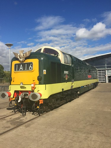 Class 55. Deltic. The Kings Own Yorkshire Light Infantry