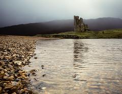 Ardvreck Castle (Grant Morris) Tags: ardvreckcastle ardvreck castle loch waterfront water beach pebbles clouds greysky greyclouds grantmorris grantmorrisphotography canon