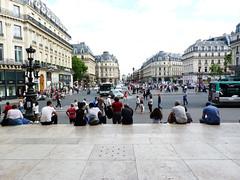 Place de l'Opéra (PAZghost) Tags: paris france bus underground subway opera boulevard place metro crowd stop sortie foule exit garnier rue paix capucines marches arret italiens auber halevy