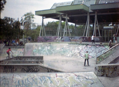 Skatepark El estadio (Ciskø) Tags: analoge fotografia fotografiaexperimental rollo film bogota skate medellin ciudad colombia photography analog digital light photographer urban street dailyphoto dailyphotography photographie fotografie fotografování фотография art finearts visualarts images pictures artist graffiti streets streetphotographer traveling world cities city landscapes portrait analogphotography digitalhphotography nikon 35mm filmphotography nikonphotography